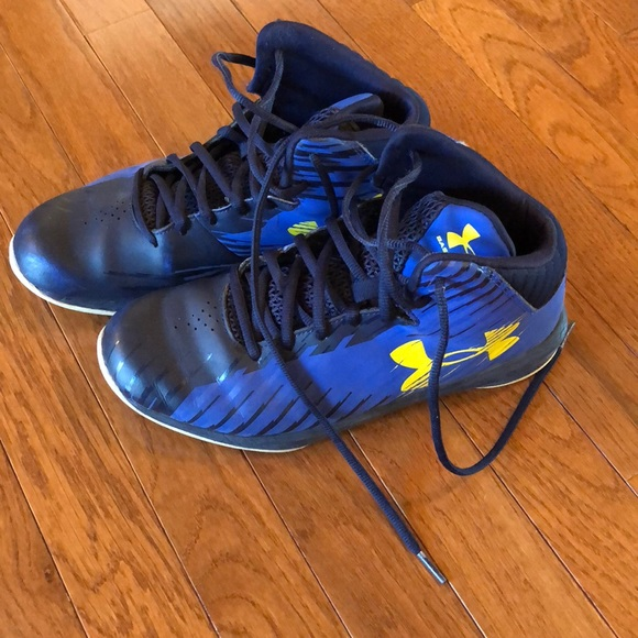 Under Armour Boys Basketball Shoes Size